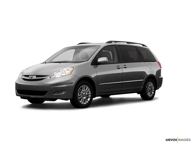 Pre-Owned 2009 Toyota Sienna XLE