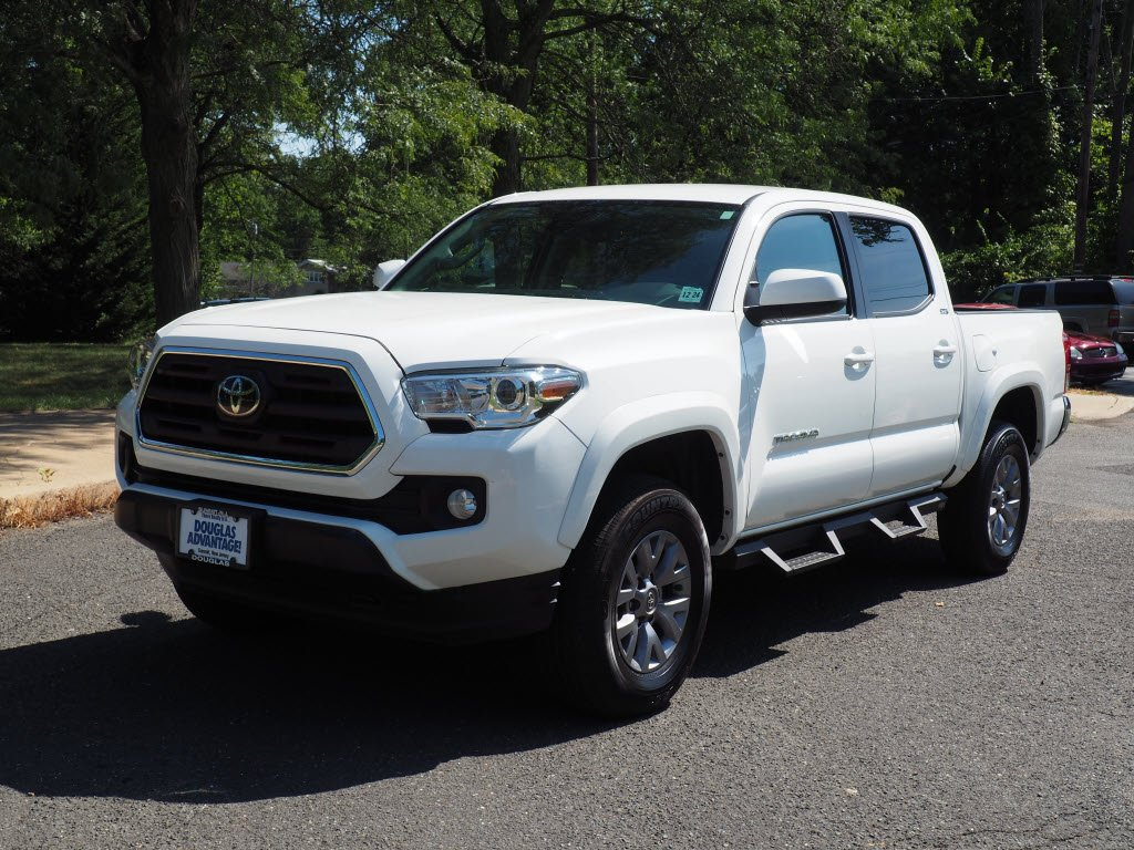 Pre-Owned 2019 Toyota Tacoma 4WD SR5 V6