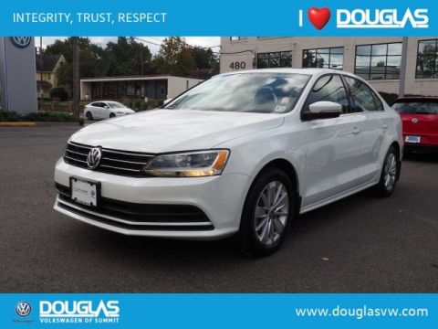 Pre-Owned 2016 Volkswagen Jetta 1.4T SE W/CONNECT