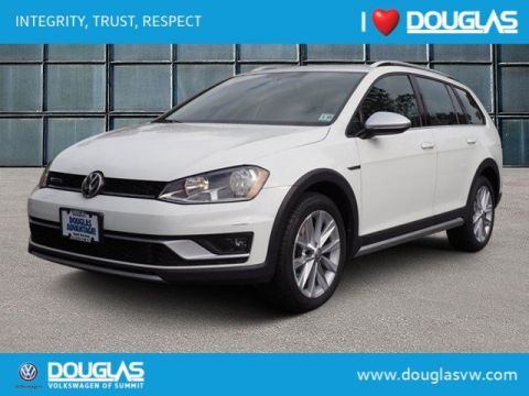 Pre-Owned 2017 Volkswagen Golf Alltrack TSI S 4Motion