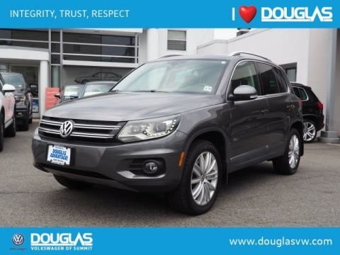 Pre-Owned 2016 Volkswagen Tiguan 2.0T SE 4Motion