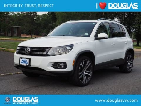 Pre-Owned 2017 Volkswagen Tiguan 2.0T SEL 4Motion